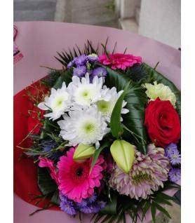 Bouquet de fleurs variées rose et blanc